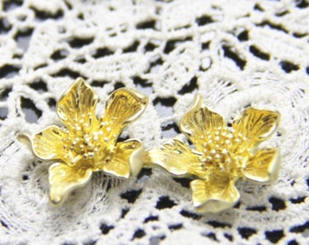6 pcs of brass floral charm pendant 15x18mm-1676 Raw brass