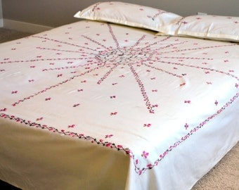 Floral off-white fully hand embroidered flat bed sheet on high quality cotton with 2 pillow covers.