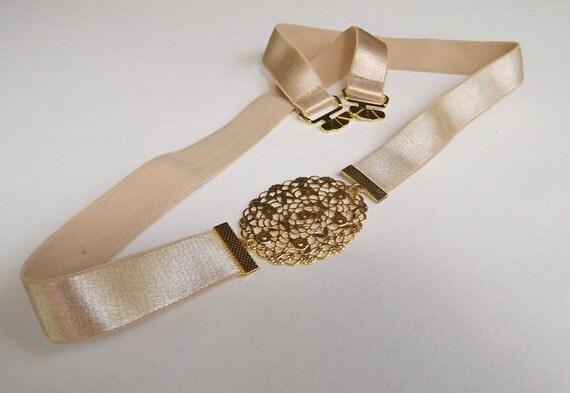 Champagne elastic waist belt with gold filigree buckle. Bridal belt. Bridesmaids belt. Nude belt. Dress belt. Golden belt. stretch belt.
