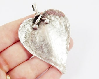 Large Rustic Heart Pendant  - Matte Antique Silver Plated - 1pc