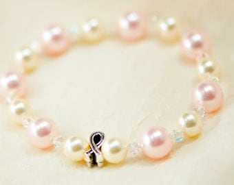 Breast cancer awareness bracelet - Rose Pink and Cream Swarovski pearls - Donation to Susan G. Komen for the Cure