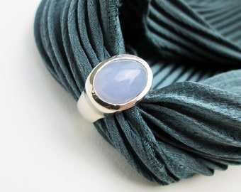 Large 1980s Vintage Signet Ring, 14k White Gold, Blue Chalcedony Cabochon, Designed by Tampico SF. USA.