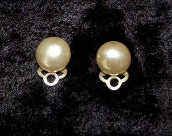 Cute Faux Pearl Stud Clip on Earrings - 1960s