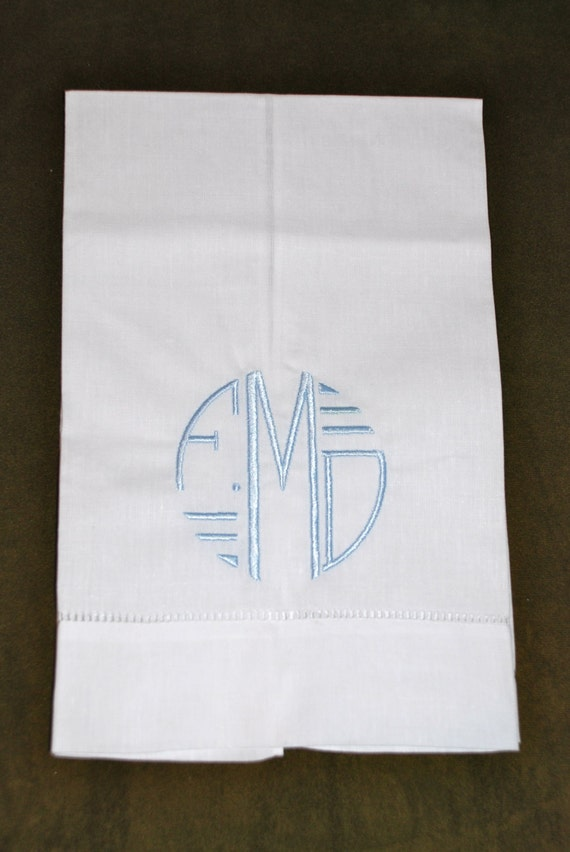 Personalized Linen Guest Hand Towel.  Perfect for a Wedding, Housewarming, Holiday, or Anytime.  Beautiful towel with circle monogram.