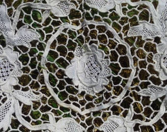 Venetian Art Lace Handmade Antique 1930's French Lace Doily Table Center Roses Floral Doily Cotton #sophieladydeparis