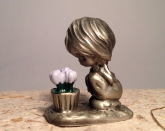 Hallmark Little Gallery Fine Pewter Girl with Flowerpot~ metal figurine~miniatures~purple flowers~green enamelware~childhood~girl figural