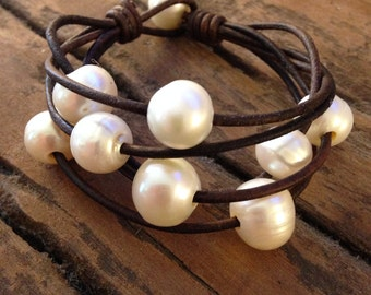 Pearls and Leather Bracelet- Freshwater Pearls and Leather Bracelet - Leather and Pearls