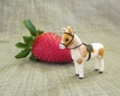 Dollhouse Miniature Toy Pony - Golden Pinto