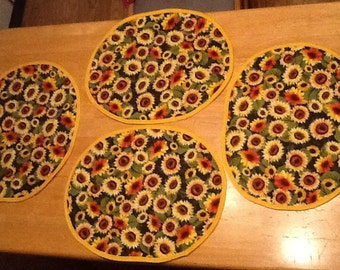 Sunflowers mats or place settings  (place setting or doyle for favorite center piece.