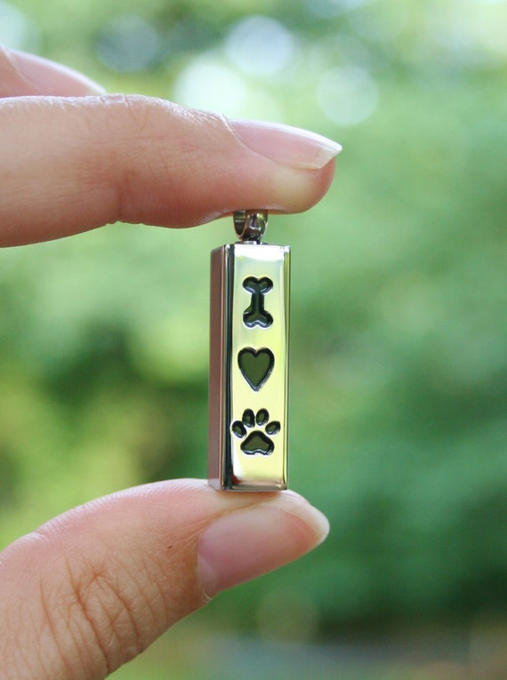 Pet dog cremation jewelry urn for ashes pendant or necklace for Cremation jewelry for pets ashes