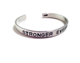 Stronger Every Day - Motivational Jewelry - Fitness jewelry