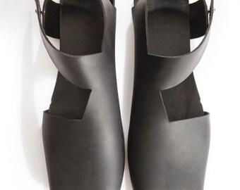 Black Leather Sandals, Designer Leather Sandals, Handmade shoes, Flat, Geometric, Architecture, Una Una, Israeli shoes
