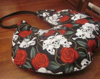 TOTE: Skulls & Roses.