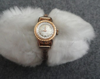Vintage 17 Jewels Lady Deluxe Wind Up Watch