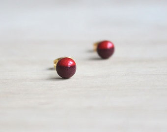 dainty wooden stud earrings wine red metallic red dipped // wood post earring studs - 6 mm // everyday jewelry, eco-friendly