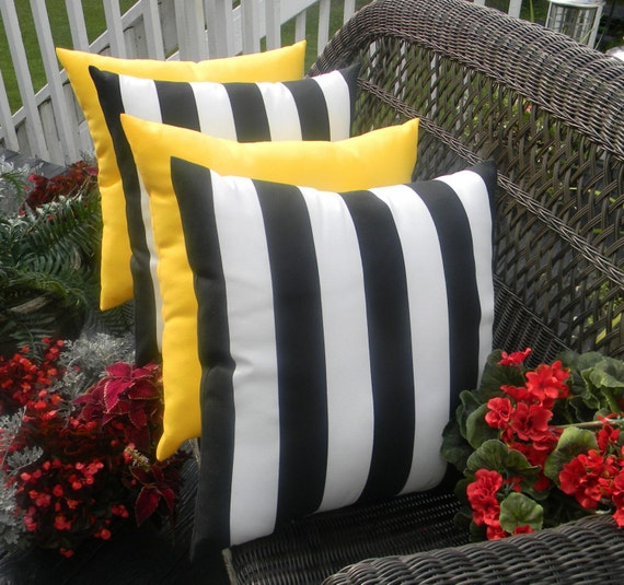 Throw Pillow Covers Set Of 4 : SET OF 4 Pillow Covers 17 Indoor / Outdoor Decorative