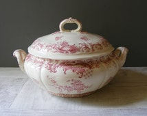 Vintage  French Villeroy &Boch Red Transferware Soup Tureen.