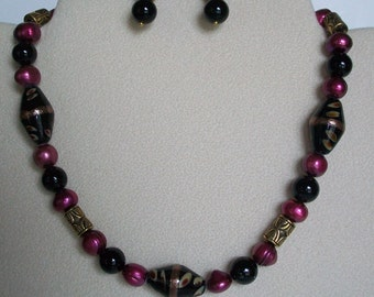 Black, Fuchsia and Gold Short Necklace and Earrings