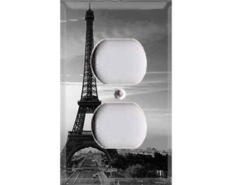 Eiffel Tower - Black and White Outlet Cover