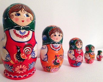 """Hand Painted Wooden Russian Nesting Dolls Matryoshka """"Gorodets"""" (5-piece set) with Flowers"""
