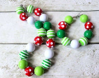 Christmas necklace bracelet set. Matching bubblegum beaded Christmas set for girls. Red green and white chunky bead necklace and bracelet.