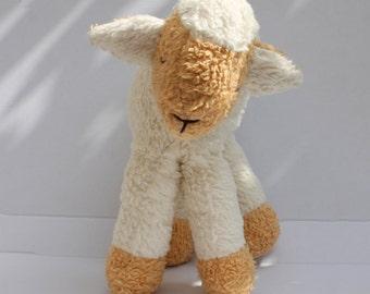 Cuddly Lamb Moyu