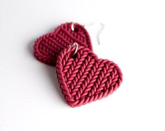 Burgundy knit earrings - bordeaux heart earrings - knitting imitation hearts - burgundy statement earrings - polymer clay bordeaux hearts