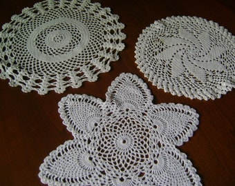 GORGEOUS COTTON VINTAGE Doilies Set of 3 Heavy Lovely Clean