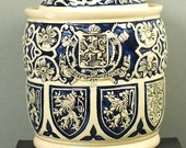 Chewing tobacco or tobacco pot blue stoneware with belgian coat of arms