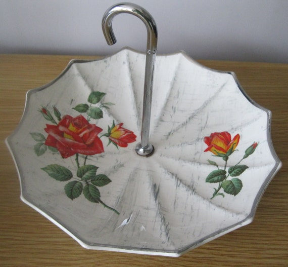 Midwinter Retro Vintage Midwinter China Umbrella Shaped Cake