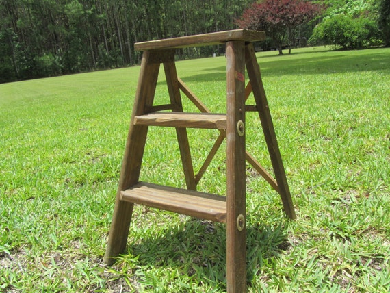 Escabeau Bois Vintage : Vintage Small Wood Step Ladders