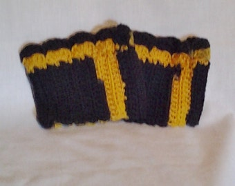 Black and Gold Varigated Scallop Edge Crochet Boot Cuffs