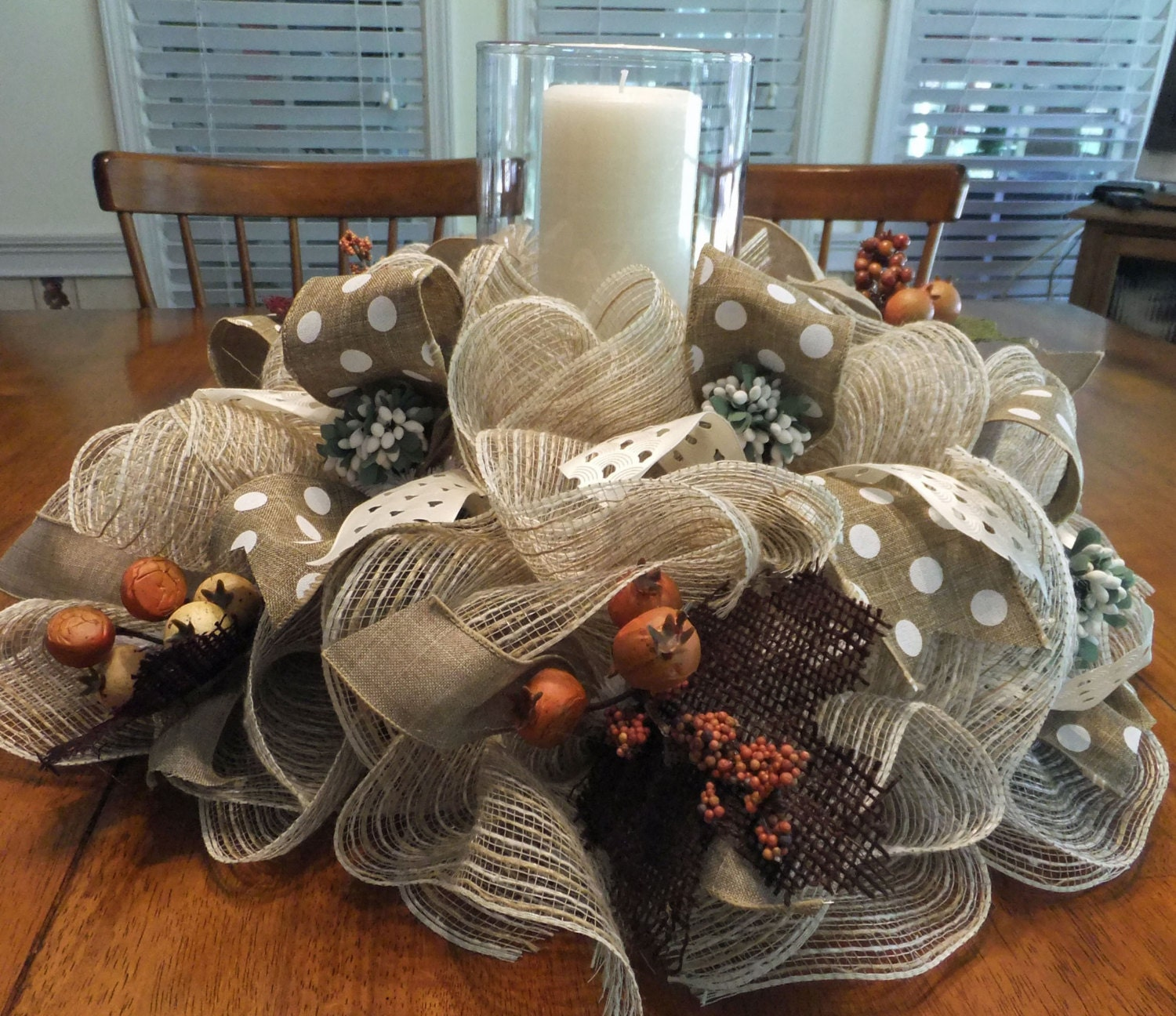 Table centerpiece fall wreath deco mesh table decoration for Decoration de table