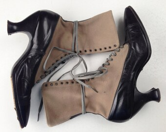 Vintage Victorian Lace-Up Boots// Size 7-7.5
