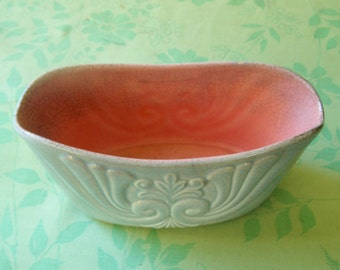 Desirable Vintage Red Wing Planter or Vase- Glossy Gray with Pink interior