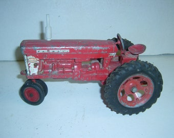 farmall 560 toy  tractor