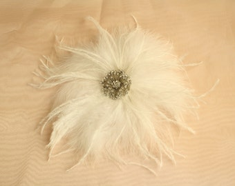 SALE! Bridal Hair Fascinator, Wedding Bride/Bridesmaid White Feather Hair Accessory with A Shiny Rhinestone Brooch with Ostrich Feathers