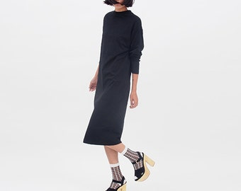 Minimalist Black Dress // Classic long sleeve pencil T shirt Dress in Knee Length // Day Dress