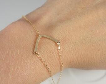 14K Gold Filled Minimalist Thin Hammered Bar Bracelet / V Triangle Chevron Arrow / Thin Chain / GF Fill / Simple / Simplistic