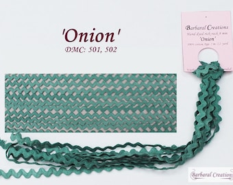Hand dyed cotton rick-rack trim 8 mm wide - 'Onion'