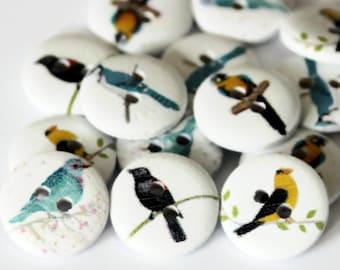15 Bird Buttons - 15mm - 2 holes - Round Painted - White Wood - Garden Birds Button - Bird Print - PW74
