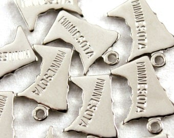 2x Silver Plated Engraved Minnesota State Charms - M072-MN