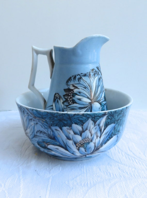 antique victorian small pitcher and bowl set magnoliatransfer. Black Bedroom Furniture Sets. Home Design Ideas