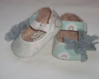 EVIE baby girl shoes - Mint. Gray. Lace Bow