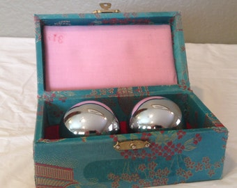 Vintage Chinese Yin Yang Pair Silver Healthy Ball Spheres Chimes IN BOX