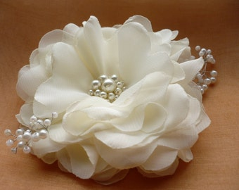 Ivory/white hair clip Ivory/white hair comb Flower hair clip Flower hair comb Bridal hair accessories