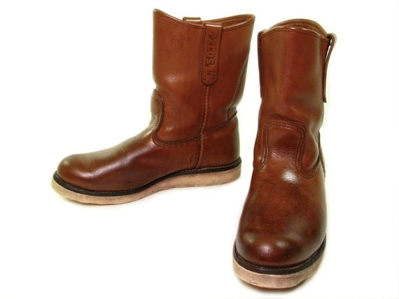RED WING Pecos Boots. Crepe Sole Boots. Pull by OakValleyVintage