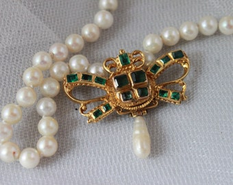 18kt plus!,FRENCH VICTORIAN  hand Crafted COLOMBIAN Emerald,Gold and pearl Butterfly Necklace,Gorgeous!