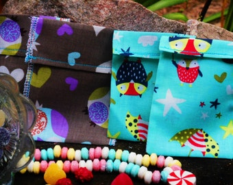 "Set of 4 Lrg Fabric Owl Bags/Owl Treat Bags/4x5 ""Fabric Party Favor/ Button enclosures/Enviromental Friendly/Reusable Party Favor Bags/"