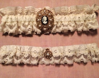 Vintage Lace with Cameo Garter Set